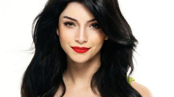 Merve Bolugur 171 Celebrity Age Weight Height Net