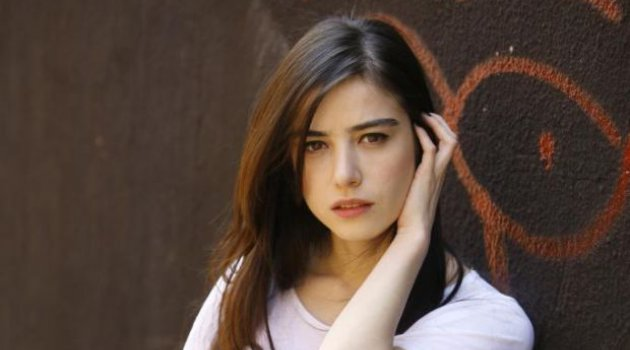 Ozge Gurel 171 Celebrity Age Weight Height Net Worth
