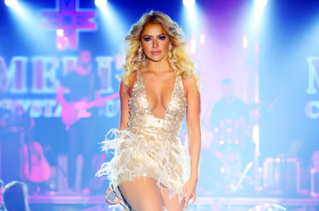 Hadise 171 Celebrity Age Weight Height Net Worth