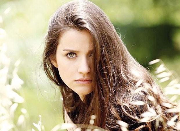 Irem Helvacioglu 171 Celebrity Age Weight Height Net